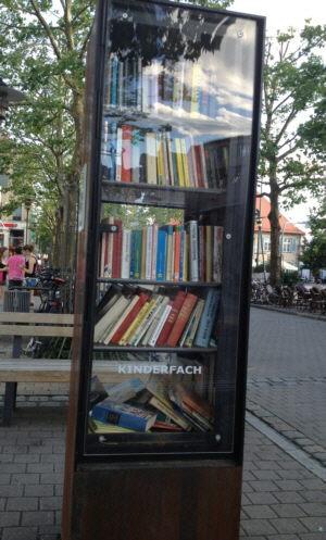 Öffentilcher Bücherschrank in Erlangen
