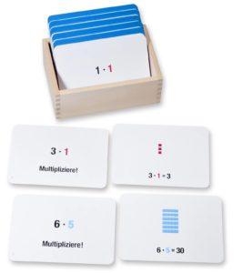 Arbeitskartei zur Multiplikation mit dem Montessori Würfelmaterial