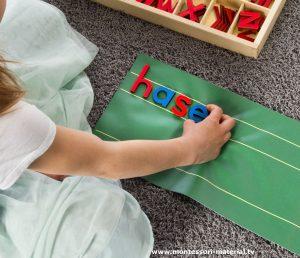 Legematte mit Zeilen zum beweglichen Alphabet