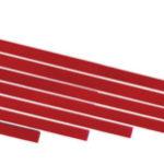 Montesori-Material rote Stangen aus Holzt um Veränderungen in einer Dimension zu lernen.