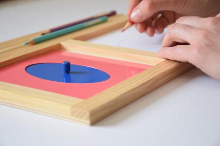 Metallene EInsatzfiguren - Montessori-Material