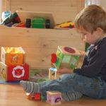 Übungen des täglichen Lebens für Kleinkinder