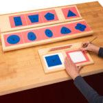 Metallene Einsatzfiguren nach Maria Montessori inkl. Arbeitsrahmen